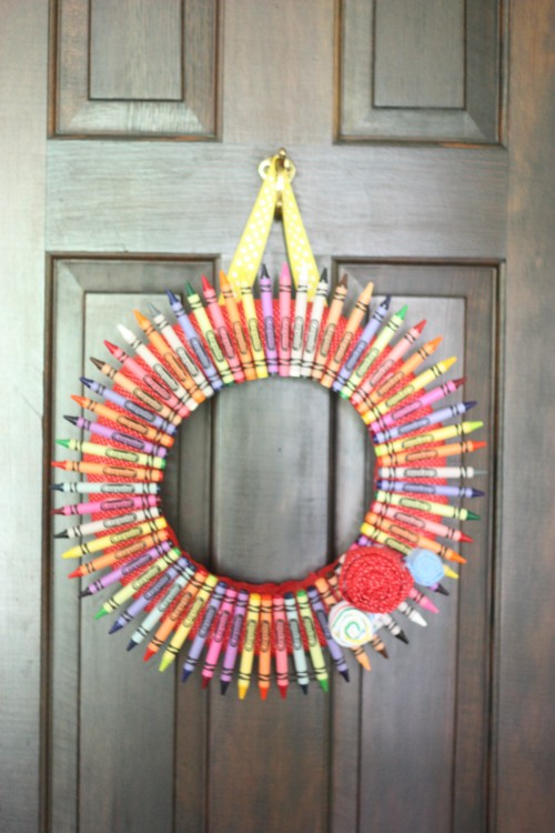 IMG 5853 500x750 Back to School Crayon Wreath