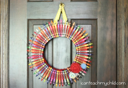 crayon wreath 500x343 Back to School Crayon Wreath