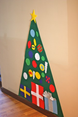 Toddler Christmas Tree Craft.Kid Friendly Christmas Tree I Can Teach My Child