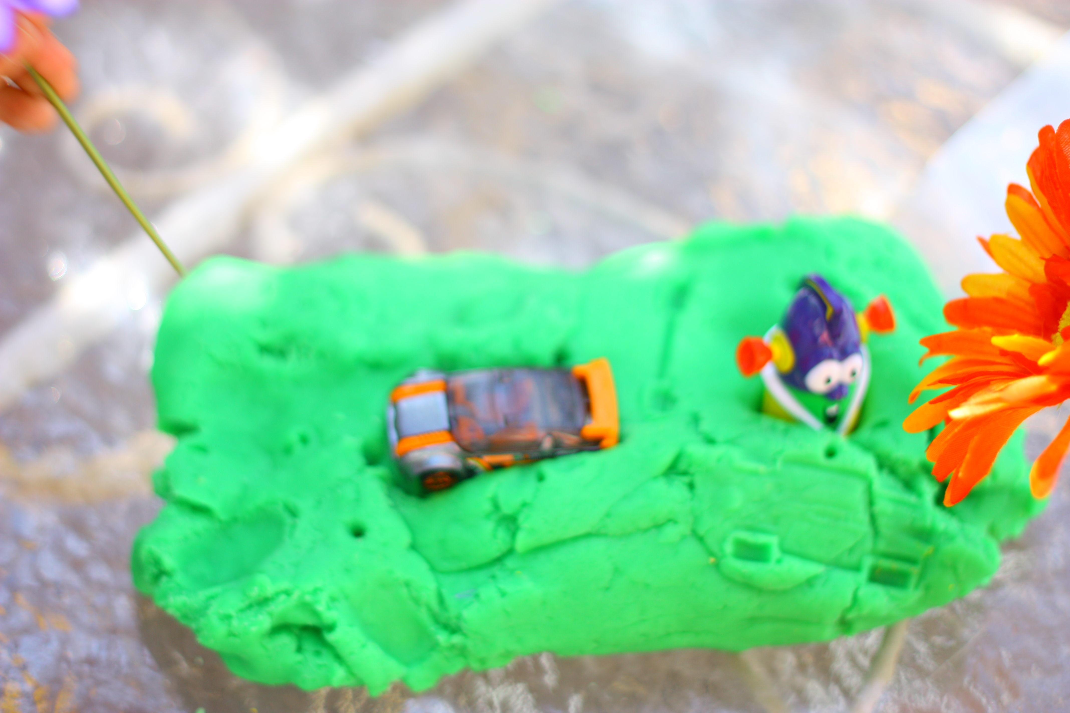 how to make grass out of playdough