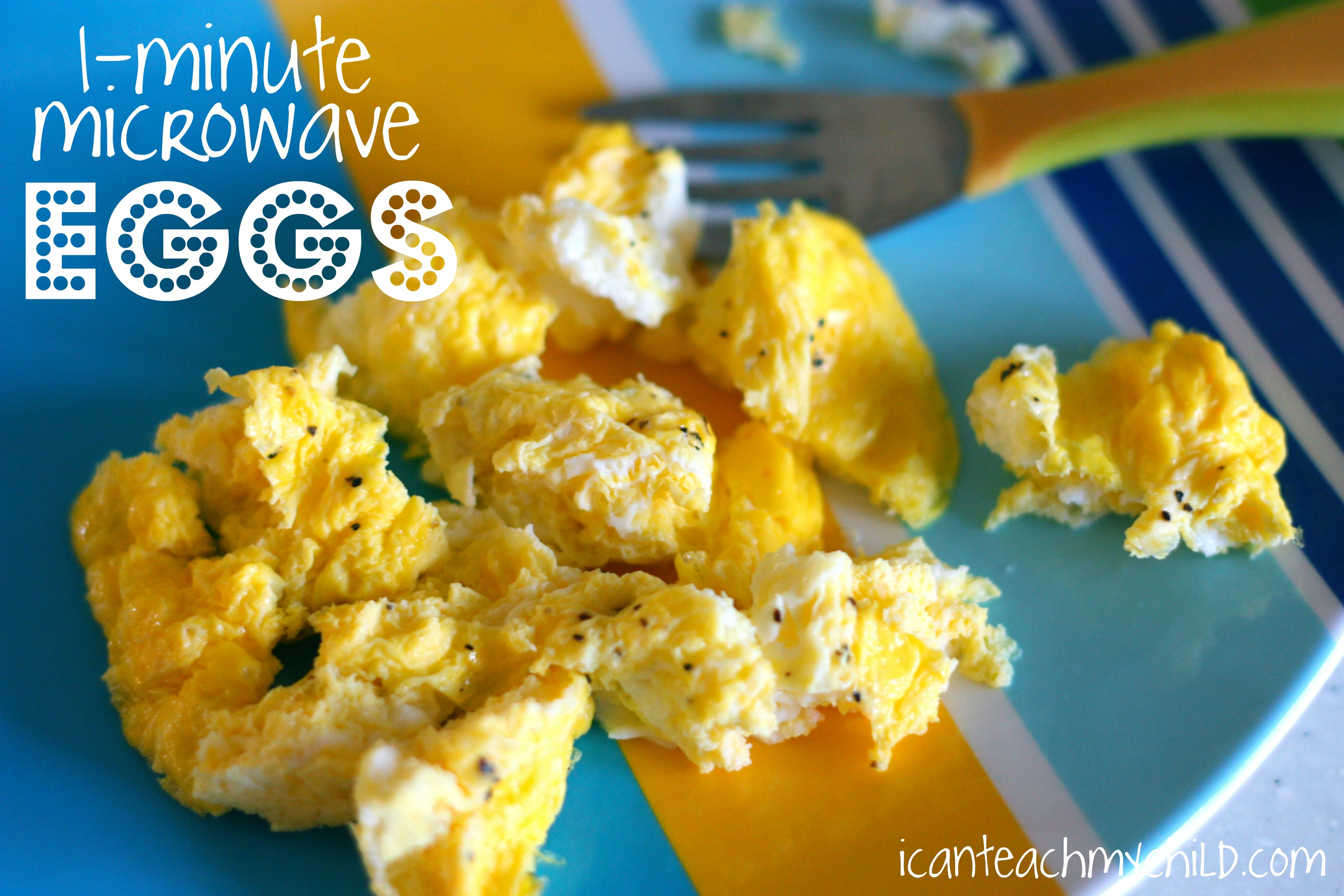 How to make scrambled eggs in microwave with cheese