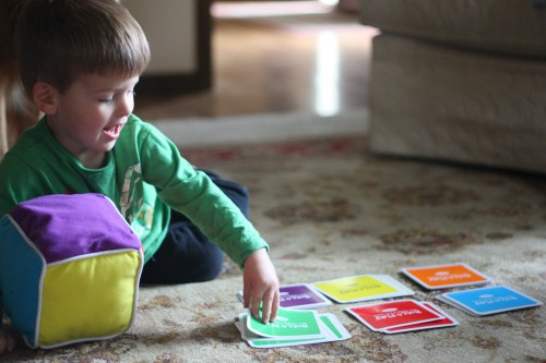 When should baby learn colors