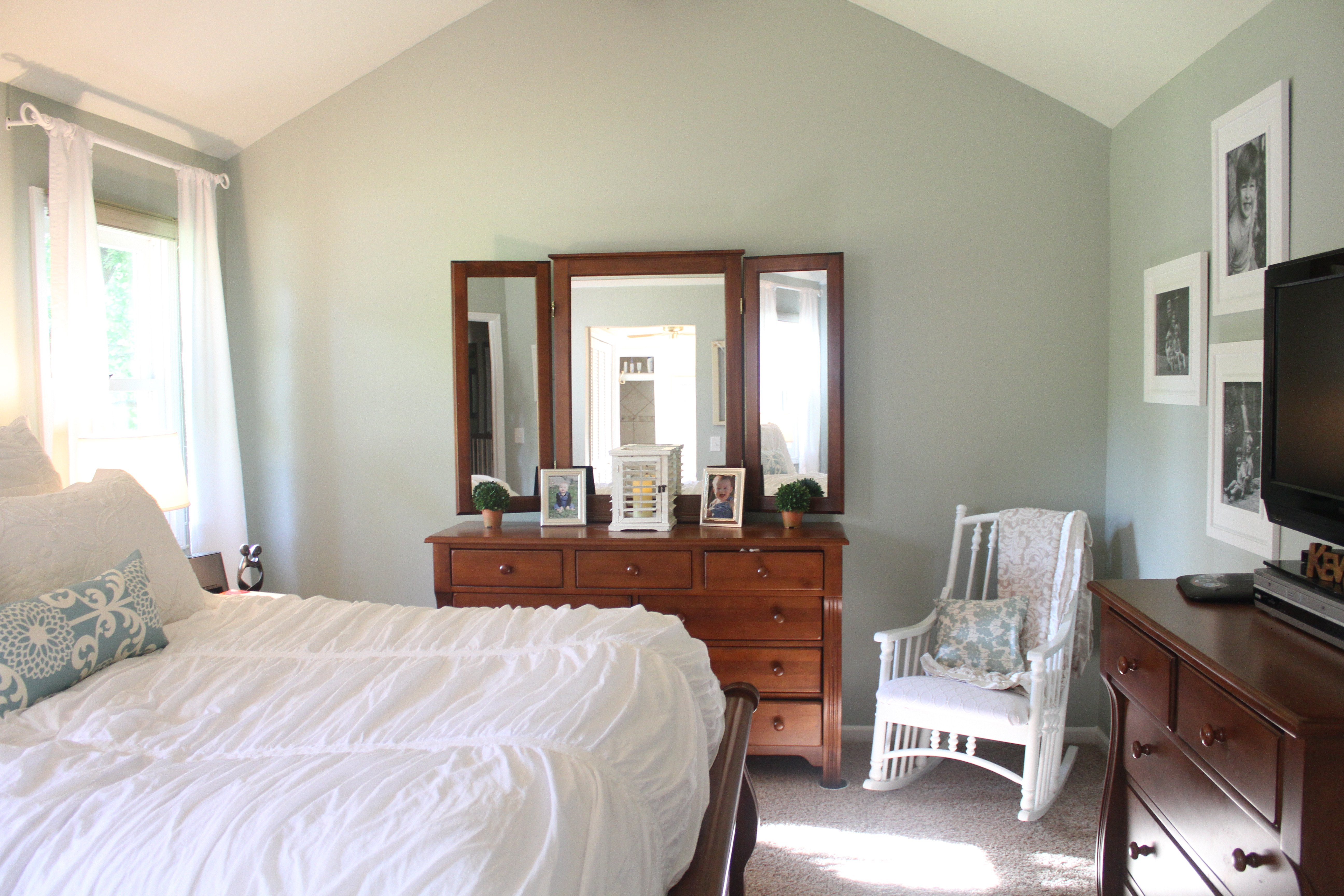 Room Makeover With Sherwin Williams Comfort Gray