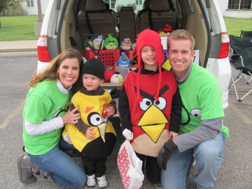 Angry Bird Family 500x375 DIY Angry Bird Costumes