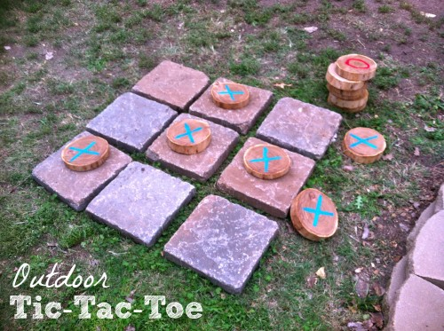 Outdoor Tic Tac Toe 500x373 Burlap and Branches Tic Tac Toe Game in a Bag