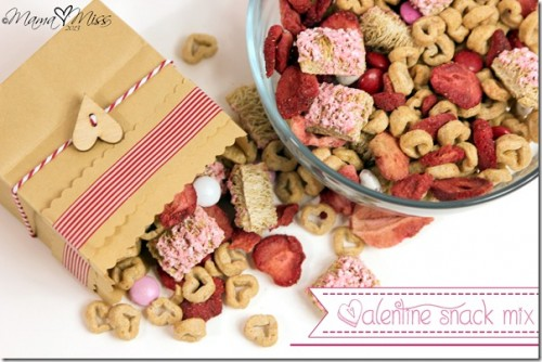 Valentine Snack Mix 500x334 Show and Share Saturday Link Up!