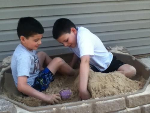 sandbox play 500x375 5 Ideas for Free Summer Play