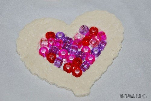 Beads inside the Dough 500x334 Suncatcher Heart Garland