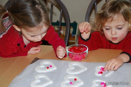 Filling the Dough with Beads 500x334 Suncatcher Heart Garland