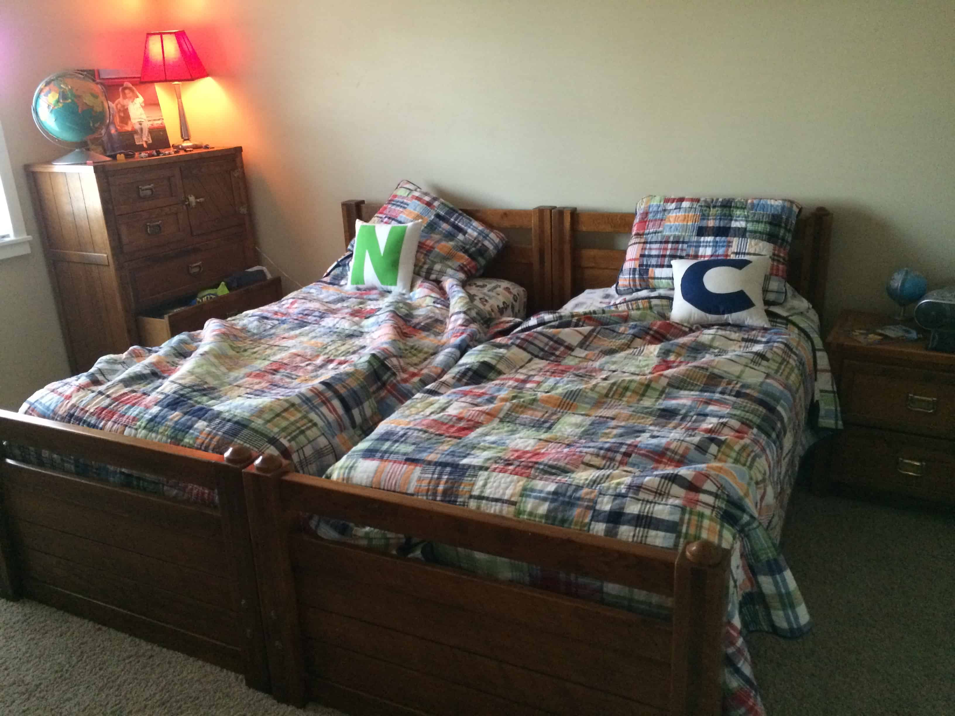 Neat Bedroom How To Keep Your Kids Beds Looking Neat Beddys Giveaway I