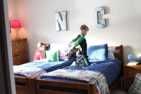 How To Keep Your Kids Beds Looking Neat Beddy S Giveaway